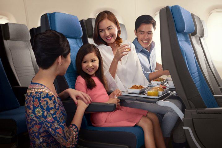 the-seats-offer-32-inches-of-pitch-with-six-inches-of-recline-and-are-185-inches-wide